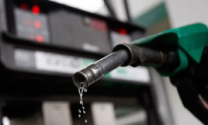 Nigerians Condemn 20-year Fuel Importation Plan