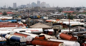 Lagos fuel tanker drivers suspend strike