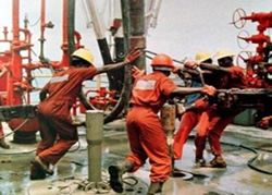 Oil Workers Down Tools Over Police Brutality In Rivers