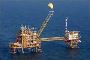 Nigeria's Oil Output May Fall by 2017 - Moody