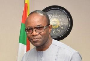 Nigeria's Oil Fields Face Shutdown Amid Price Slump