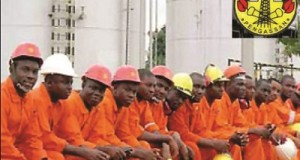 Oil workers suspend strike