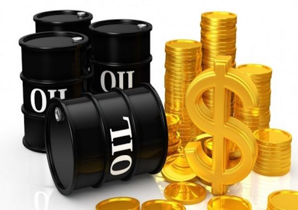 Oil slumps after report of rising US stocks
