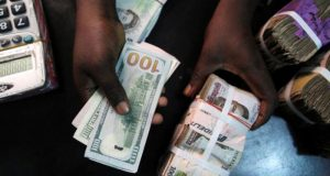 BanksWorldRemit Backs CBN's Extension Of Naira-4-Dollar Scheme woo customers with new CBN 'naira-4-dollar' policy
