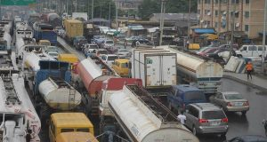 Lagos Seeks Buhari's Intervention to End Apapa Gridlock