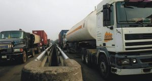 Congestion Looms at Apapa Port as Truckers Threaten to Strike Friday