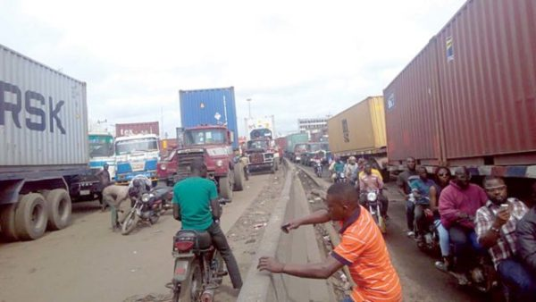 Lagos Port Congestion:  The Bangs & Benefits Of Barges