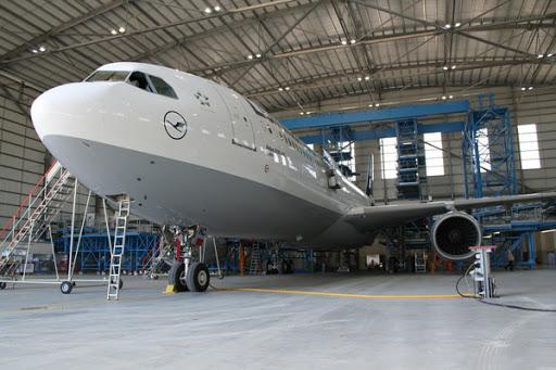 Factors To Consider When Establishing An Airplane Hangar