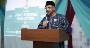 FG says coronavirus curable as infected health workers hit 113