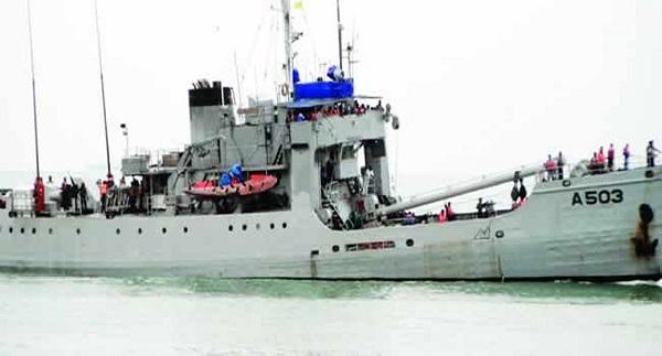 Seafarers protest prolonged stay aboard vessels