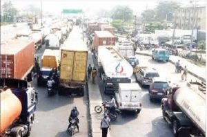 Officials, workers, decry Apapa gridlock
