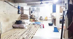 Controversy as Customs invade Lagos market, cart away rice, money