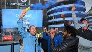 Man City fans gather to celebrate title glory