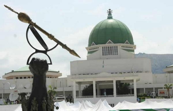 Crisis looms in N/Assembly, APC caucus denounce anti-Buhari move